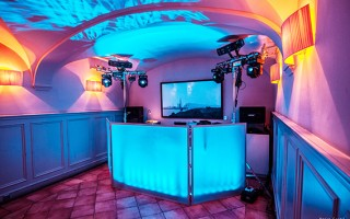 Mobile discos / karaoke